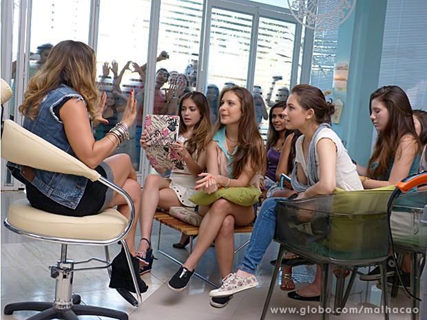 Babette dá altos conselhos para Micaela e todas as MICAS ficam atentas (Foto: Malhação / TV Globo)