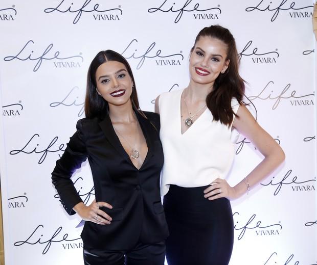 Giovanna Lancellotti e Camila Queiroz (Foto: Divulgação)