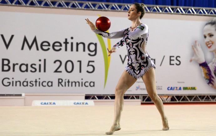 Capixaba Natália Gaudio em ação no V Meeting Internacional de ginástica rítmica, em Vitória (Foto: Jana Aguiar)