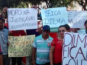 Manifestantes vieram da cidade de Itapipoca para protesto no Centro de Fortaleza (Foto: Andre Teixeira/G1)