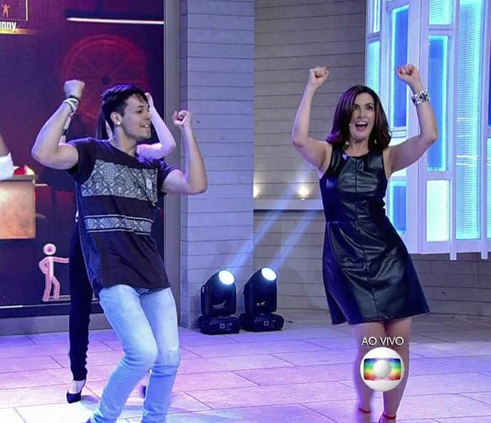 "Fátima empolgada no ""Just Dance"" (Foto: TV Globo)"