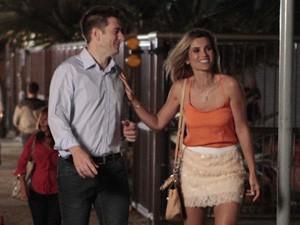 Érica se diverte com novo namorado (Foto: Salve Jorge/TV Globo)