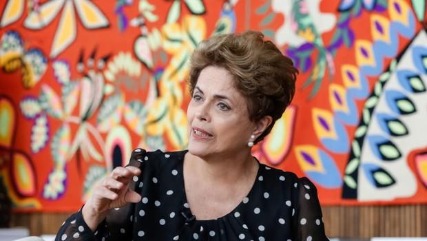 Dilma Rousseff durante entrevista no Palácio da Alvorada (Foto: Roberto Stuckert Filho/PR)
