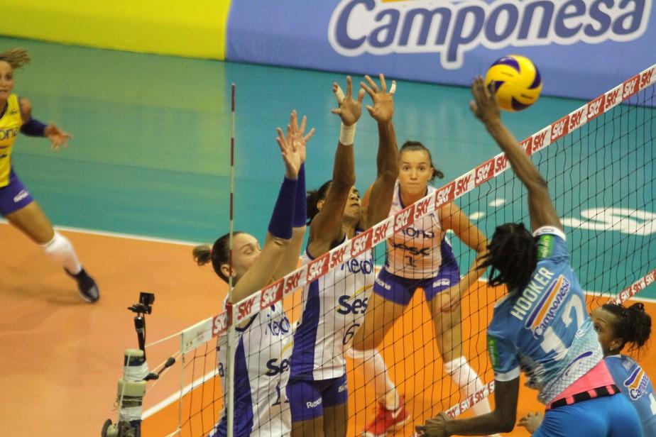 Na força de Hooker, Minas se impõe, bate o Rio e empata série semifinal