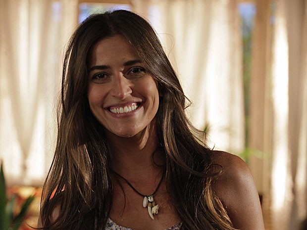 Maria Joana revela segredinhos para cuidar da pele e dos cabelos (Foto: Flor do Caribe / TV Globo)