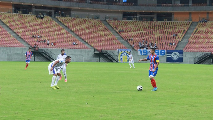 Fast e São Raimundo jogam na Arena da Amazônia (Foto: Gabriel Mansur)