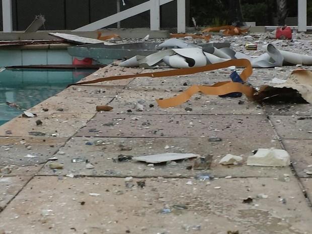 Imagem feita por moradores mostram estrago de explosão em São Conrado (Foto: Arquivo Pessoal/Mariana Ruopp)