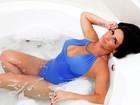 Solange Gomes relembra brincadeira da banheira em ensaio para o EGO