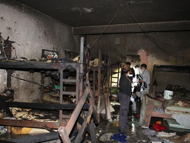 Presos morreram após queimar colchões em motim. Pará Icoaraci detentos (Foto: Fábio Costa/Ag. Pará )