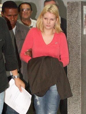 Mulher do executivo, presa desde a noite de segunda-feira (Foto: Carlos Pessuto/Futura Press/AE)