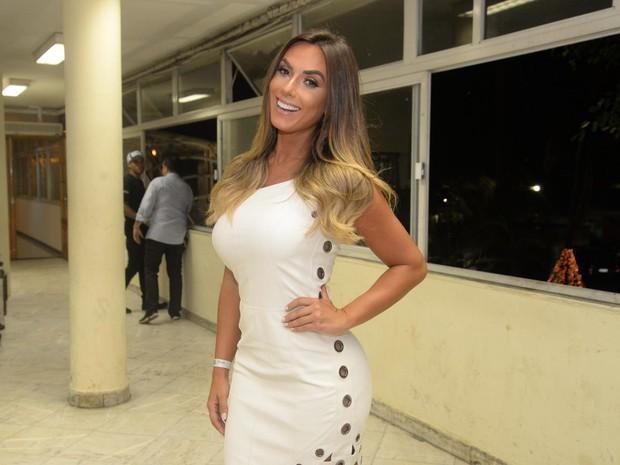Nicole Bahls em show na Zona Sul do Rio (Foto: Vinicius Marinho/ Brazil News)