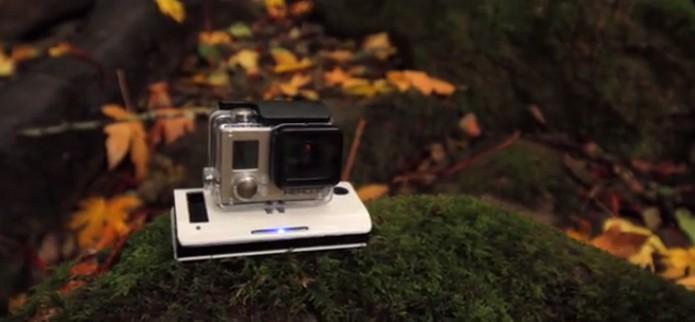 Leve e portátil, o carregador pode ser levado para qualquer lugar (Foto: Reprodução)