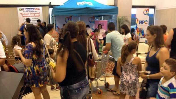 Para celebrar o Dia da Mulher, RPC, montou espaço beleza, em Maringá (Foto: Divulgação/RPC)