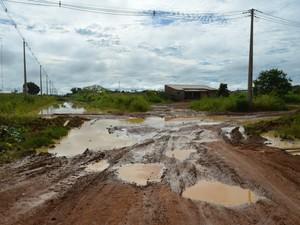 De acordo com DER, Linha C-65, em Ariquemes, só deve passar por reparos a partir de março (Foto: Eliete Marques/G1)