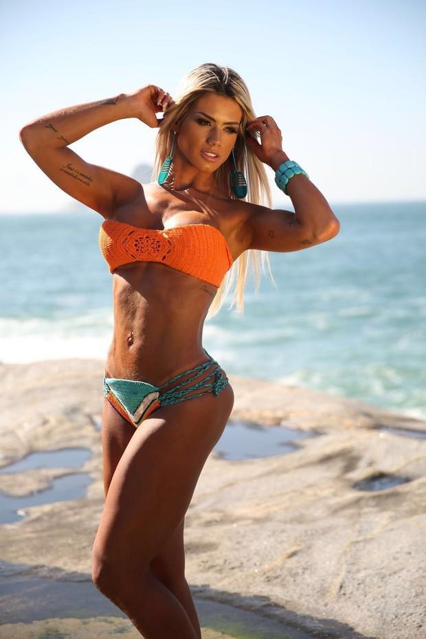 Janaina Santucci posa para ensaio e comemora título fitness (Foto: Davi Borges/ MF Models Assessoria )