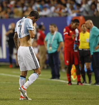 Di María sofre lesão Argentina x Panamá (Foto: EFE)