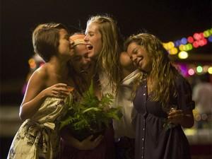 Andréia Horta, Débora Lamm, Gianne Albertoni e Fernanda Souza em cena de 'Muita calma nessa hora 2'  (Foto: Divulgação)