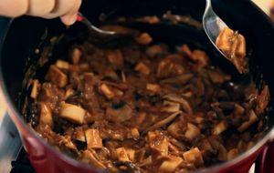 Estrogonofe de cogumelos com palmito pupunha: receita da Bela Gil