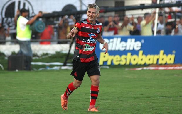 Campinense comemora gol sobre o Asa (Foto: Itawi Albuquerque/Futura Press)