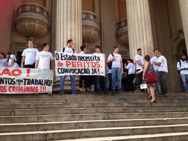 Grupo protestou na escadaria da Alerj (Foto: Tássia Reis / Arquivo pessoal)
