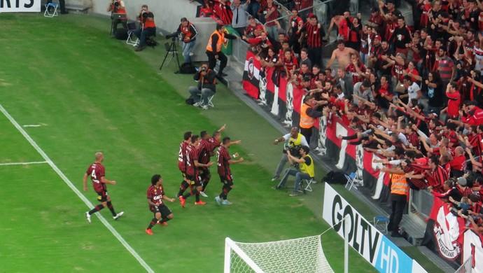 Atlético-PR Marcos Guilherme (Foto: Fernando Freire)