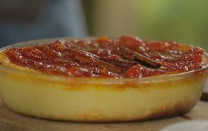 Torta de queijo com doce de tomate cereja