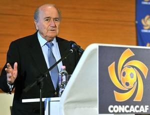 Blatter durante congresso da FIFA na Hungria (Foto: AP)