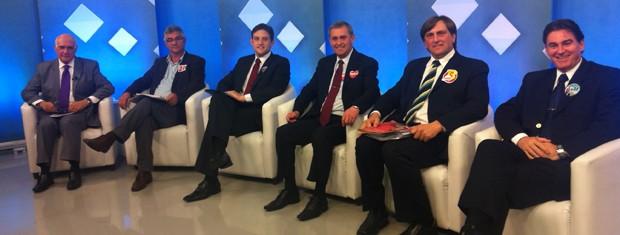 CAndidatos de Bento Gonçalves participaram de debate mediado por Lasier Martins (Foto: Shirlei Paravisi/ RBS TV)