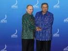 Presidente indonésio retoma tradição de usar figurino nativo em cúpula