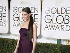 Katie Holmes usa superaplique nos cabelos no Globo de Ouro