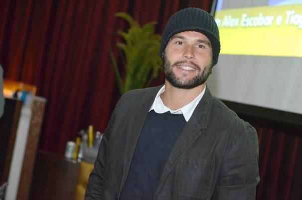 O ator Dudu Azevedo não ficou de fora da festa. (Foto: Divulgação/Evandro Duarte)