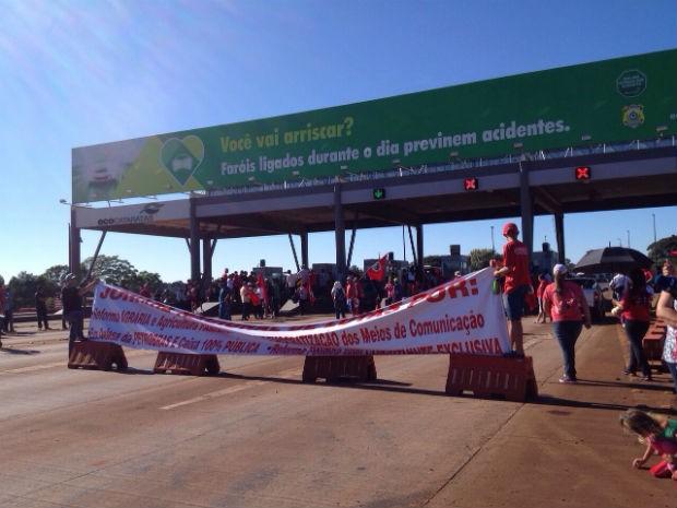 Além de Cascavel, o MST promove manifestações em várias estados do país nesta quarta (Foto: Anna Flávia Nunes/ RPC)