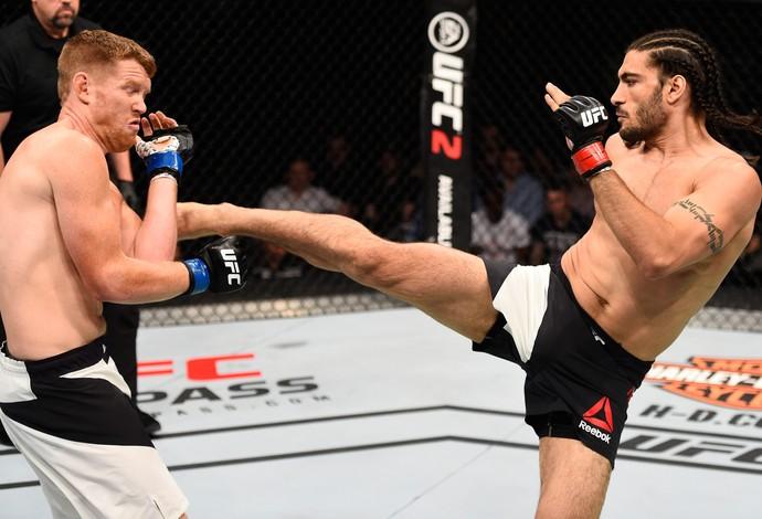 Elias Theodorou Sam Alvey UFC Ottawa (Foto: Getty Images)