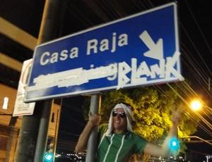 Torcedores Do Cruzeiro Festejam Derrota Do Atl  Tico MG Em Avenida De