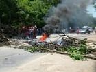 Em Governador Valadares, índios fecham a BR-116 em protesto