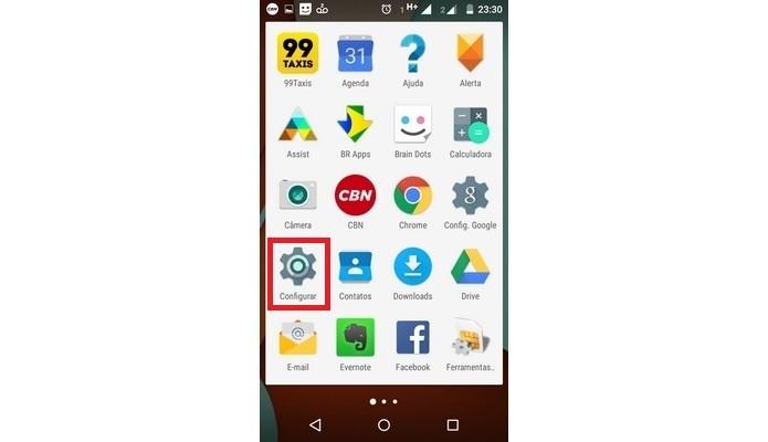 Bandeja de aplicativos do Android com menu Configurar em destaque (Foto: Reprodução/Raquel Freire)