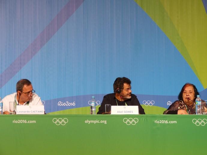 Leonardo Caetano, Abel Gomes e Rosa Magalhães deram pistas sobre encerramento da Rio 2016 (Foto: Vicente Seda)