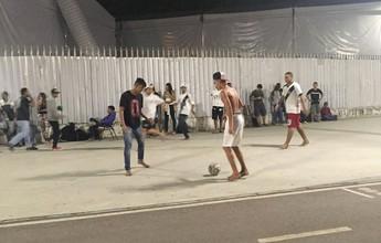 Missão madruga: 12h antes, torcedores reúnem-se por ingressos no Maracanã
