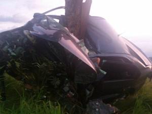 Casal morre em grave acidente na MG-354 perto de Presidente Olegário (Foto: Hamilton Amorim)