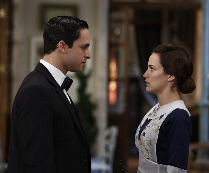 Rainer Cadete e Bianca BIn contracenam em 'Êta Mundo Bom!' (Foto: Inácio Moraes/Gshow)