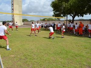 Bombeiros participam de competições esportivas na semana de comemoração do Dia Nacional do Bombeiro Brasileiro (Foto: Rodrigo Menaros / G1 RR)