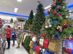 Loja de São José dos Campos vendas natal (Foto: Reprodução/TV Vanguarda)