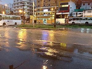 Chuva (Foto: Rafaela Ribeiro/G1)