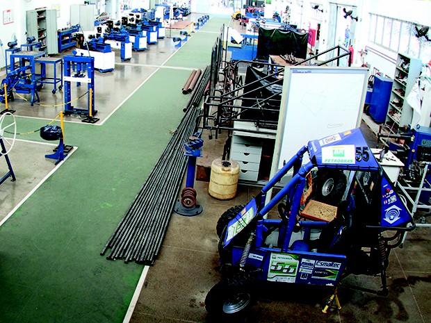 Através de uma boa formação, o engenheiro mecânico estará apto a desenvolver, projetar e supervisionar a produção de máquinas, equipamentos e ferramentas específicas (Foto: Davi Maia/Unifor)