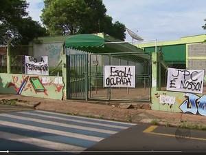 A Escola Estadual João Pires de Camargo em Araraquara foi desocupada (Foto: Reprodução/ EPTV)