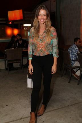 Juliana Didone em restaurante na Zona Oeste do Rio (Foto: Anderson Borde/ Ag. News)