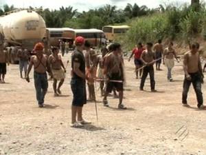 Ocupação de indígenas em canteiro de obras já está no 5º dia (Foto: Reprodução / TV Liberal)