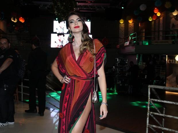 Renata Molinaro em festa no Rio (Foto: Alex Palarea/ Ag. News)