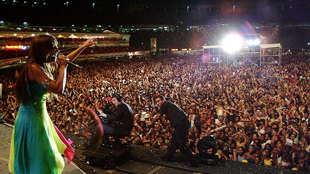 Ivete sangalo em show na antiga fonte nova (Foto: Washington Possato / Pico Garcez / Cacau Mangabeira / Divulgação)