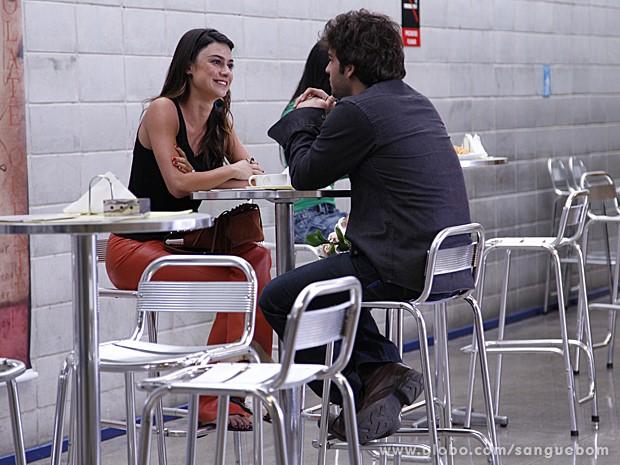 Camilinha faz proposta indecente a Fabinho, que recusa (Foto: Ellen Soares/TV Globo)
